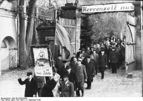 Bodenreform in der SBZ (Foto: Bundesarchiv Bild_183-32584-0002)