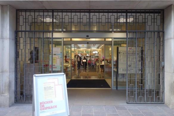 """Die Südtiroler Landesbibliothek """"Dr. Friedrich Teßmann"""", Bozen-Gries"""